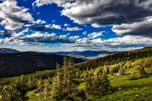Rocky Mountain National Park is one of the best Colorado attractions.