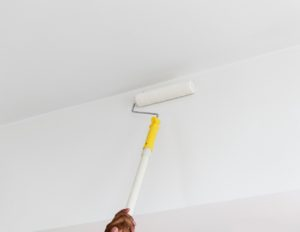 painting the wall to sell your house fast