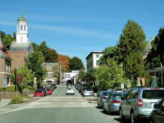 7 reasons why you should consider moving to a small town