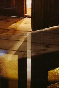 Wood Floor Door - Tips for protecting hardwood floors when moving